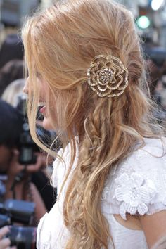 Blake Lively <3 the pin in her hair!