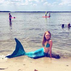 Mutlu pazarlar! Çocuğunuzun hem fiziksel gelişimine katkıda bulunan hem de onu çok mutlu edecek bu mükemmel denizkızı kostümü www.magictail.com.tr de