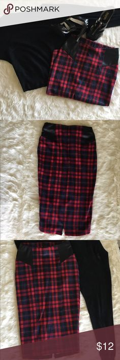 Soft Jessica Simpson Plaid Pencil Skirt This beautiful plaid skirt is super comfortable and can be worn for work or play! The length is perfect, hitting just an inch or so under the knee and looks amazing with heeled booties or pumps. Jessica Simpson Skirts Pencil