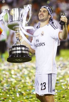 Isco celebrating with the Copa Del Rey