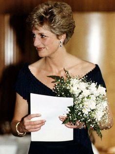 The POW Princess Diana Biography, Princess Diana Hair, Princess Diana Fashion, Princess Diana Family, Princes Diana, Royal Princess, Princess Of Wales, Festival Hall, Charles And Diana