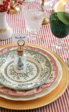 Using my vintage red and green transferware plates as inspiration for upcoming Christmas celebrations.