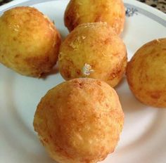 Recipe homemade potato dumplings with cheese Tapas, Empanadas, Deli Food, Recipes Appetizers And Snacks, Colombian Food, Salty Foods, Albondigas, Caribbean Recipes, Latin Food