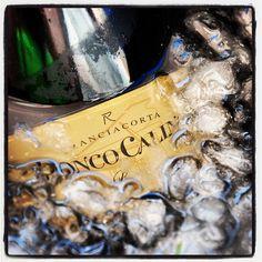 """@roncocalino's photo: """"La nostra bottiglia di Brut nel ghiaccio. #franciacorta #brut #ghiaccio #bottiglia #ice #bottle #italia #italy #lombardia #bubbles #sparkling #vino #wine"""""""