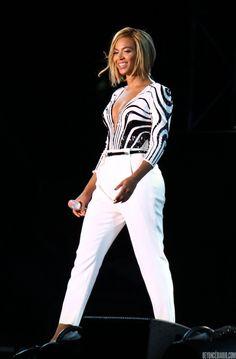 Beyoncé Diario: BEYONCÉ EN EL 'V FESTIVAL' (17/08/13)