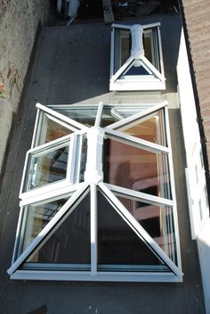 www.4seasononline.co.uk - suppliers of bespoke aluminium bifold door systems, rooflights / roof lanterns / skylights.