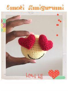 Crochet Emoji Amigurumi with heart ! Love Crochet, Crochet Gifts, Crochet Dolls, Crochet Yarn, Crochet Stitches, Amigurumi Patterns, Crochet Patterns, Kawaii Diy, Holiday Crochet