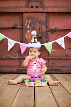 Cake smash @Vintage Fairytale Hutto, it would be easy to make some bunting flags to put in the background