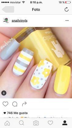 Yellow Nail art and Manicure - 30 beautiful ideas - Nail art designs & diy Fancy Nails, Trendy Nails, Diy Nails, Cute Nails, Spring Nail Art, Nail Designs Spring, Nail Art Designs, Flower Designs For Nails, Bright Nail Designs