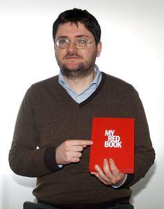 """Conosciamo meglio Gianluca Vivacqua, l'autore di ERITROPORIA, uno dei racconti selezionati nel concorso """"MYBOOK Tell Your Story #1"""" by NAVA!"""