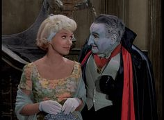 """Beverley Owen, the actress best known for playing the original Marilyn Munster on Season 1 of the sitcom """"The Munsters,"""" has died. Munsters Tv Show, The Munsters, Munsters Theme, Munsters House, Beverly Owen, Munsters Grandpa, Los Addams, Marilyn Munster, 1313 Mockingbird Lane"""
