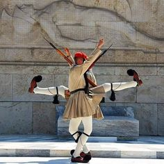Greek presidential guards (Evzones) perform ceremonial duties at the monument of the Unknown Soldier in front of the Greek Parliament in Athens Outdoor Photography, Color Photography, Greece Today, Pakse, Happy New Year Friends, Unknown Soldier, Greek Culture, Creta, Greek Art