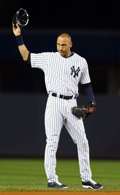 The Best Tweets About Derek Jeter's Final Game at Yankee Stadium Before Retirement