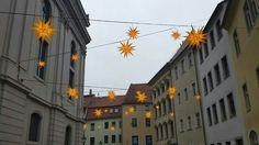 Der Herrnhuter Sternenhimmel über dem südlichen Johannisplatz.
