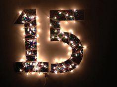 Luzinhas na decoração de 15 anos.