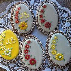 www.cakecoachonline.com - sharing... Flower Sugar Cookies, No Egg Cookies, Paint Cookies, Fancy Cookies, Iced Cookies, Biscuit Cookies, Cute Cookies, Easter Cookies, Cupcake Cookies