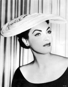 Stroud-Merry, Jarma Lewis in a great hat. She also has some very impressive eyebrows! Vintage Dresses, Vintage Outfits, Vintage Fashion, Vintage Hats, Vintage Clothing, Vintage Style, Hollywood Glamour, Old Hollywood, Love Hat