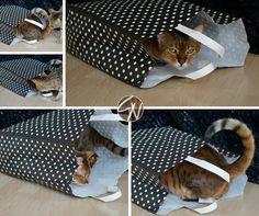 Katzen lieben Papiertüten :-) Cats love paper bags Louis Vuitton Damier, Diy, Bags, Handbags, Bricolage, Do It Yourself, Homemade, Diys, Bag