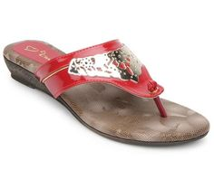 If simplicity with a touch of razzle daazle is your game, then you've just hit the right spot.  These chappals are great for casual outfits where you just want to be free and comfortable.  Wear these to work or dinner, but probably best left at home if you're planning on having a clubbing night out.