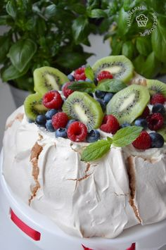 Yummy Cakes, Kiwi, Camembert Cheese, Food And Drink, Pies, Essen