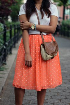 Polka dot skirt. Love this outfit! <3