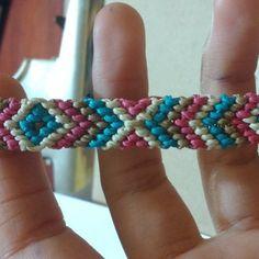 Normal friendship bracelet pattern variation added by Heymani. Friendship Bracelet Patterns, Friendship Bracelets, Diamond Cross, Chevron, Simple, Beautiful, Jewelry, Jewlery, Jewerly