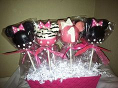 Minnie Mouse cake pops