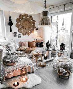 inspiring bohemian living room ideas for your home . - inspiring bohemian living room ideas for your home roo - Bohemian Living Rooms, Living Room Art, Living Room Designs, Hippie Living Room, Bohemian Apartment, Cozy Living Rooms, Bohemian Style Home, Modern Bohemian, Modern Hippie Decor