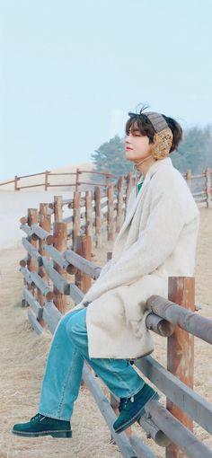 Bts Taehyung, Bts Bangtan Boy, Bts Boys, Jhope, Bts Jimin, Korean Singer, Bts Wallpaper, Lock Screen Wallpaper, Sweet Night