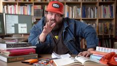 Watch a Designer Who Really Knows What He's Doing Create a Logo From Scratch Aaron Draplin's fascinating tutorial By Alfred Maskeroni - Aaaaand now I love this guy. Logo Design Tutorial, Design Tutorials, Tool Design, App Design, Logo Process, Design Process, Draplin Design, Create A Logo, Graphic Design Inspiration