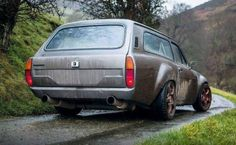 """wagonation: """"carsanddiecasts: """" Escort Wagon """" These things are silly (silly) hot. """" Grungy, just how I like my wagons Classic Cars British, Ford Classic Cars, Escort Mk1, Ford Escort, Ford Rs, Car Ford, Corolla Wagon, Shooting Brake, Old Fords"""