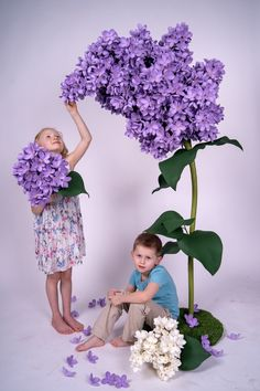 Big Paper Flowers, Giant Paper Flowers, Faux Flowers, Flower Stands, Paper Flower Tutorial, Handmade Flowers, Flower Crafts, Flower Wall, Artificial Flowers
