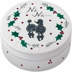 Snow, holly, berries and a beautifully groomed poodle named Ni-Ni, who belongs to Mathilde, a present from her family. Her story gradually unfolds on our tins.  #Beauty  #Vegan  #natural  #STEAMCREAM  #Moisturiser  #dog