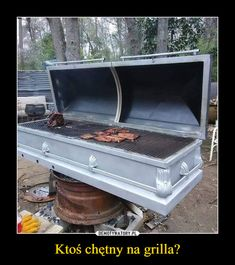 Grilling 6 feet under 21st Night Of September, 6 Feet Under, Grill Accessories, Mixed Nuts, Crazy People, Humor, Weird Facts, Barbecue, Funny Pictures