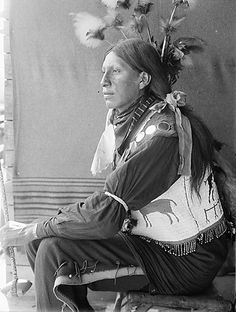 George Spotted Elk - Mniconjou - 1908  So  nice that theres pictures of a time gone by.