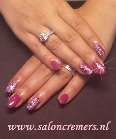 fuchsia pink strass stones nail art