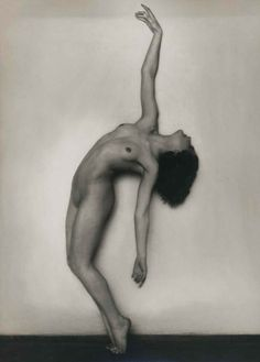 Rudolf Koppitz Nude Study Vintage silver print x cm By Galerie Johannes Faber Straight Photography, Nude Photography, Classic Photography, Patrick Demarchelier, Richard Avedon, Figure Reference, Pose Reference, Fine Art Photo, Photo Art