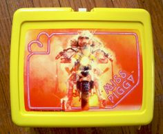 My All time favourite lunchbox - Miss Piggy!! I loved this thing, was so sad when it broke!