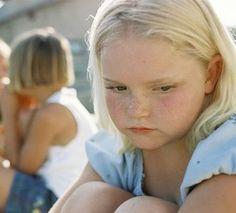 Onrecht, aandacht, spontane uitstapjes, zijn allemaal dingen die hsk van slag maken. Wat zijn de frustraties van een hoogsensitief kind? En waarom?