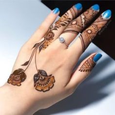 What is a Henna Tattoo? Henna tattoos are becoming very popular, but what precisely are they? Indian Henna Designs, Mehndi Designs For Kids, Mehndi Designs Feet, Finger Henna Designs, Simple Arabic Mehndi Designs, Stylish Mehndi Designs, Mehndi Designs 2018, Mehndi Design Pictures, Mehndi Designs For Fingers