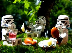 Decorate your garden party
