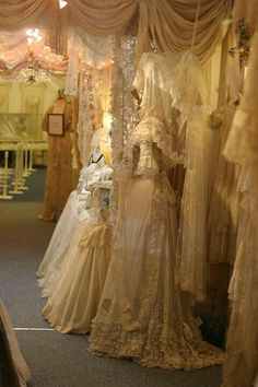 Antique lace shop..... *drool*!