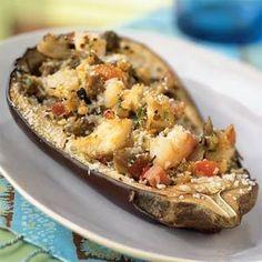 Las berenjenas rellenas no solo son deliciosas, sino que tienen alto valor nutricional el punto es el relleno ya que las berenjenas aportan pocas calorías