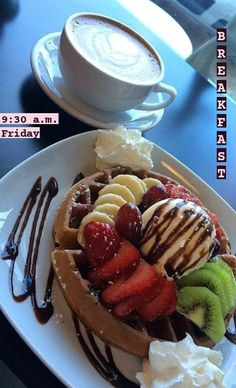 Oreo Cake Recipes, Snack Recipes, Dessert Recipes, Snacks, Oreos, Strawberry Cheesecake Bars, Mothers Day Desserts, Tumblr Food, Snap Food