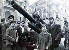PlazmaKeks World Of Tanks: Hungarian Revolution Of 1956 Old Pictures, Old Photos, World Conflicts, Powerful Images, World Of Tanks, Budapest Hungary, Historical Pictures, World War Two, Vintage Photography