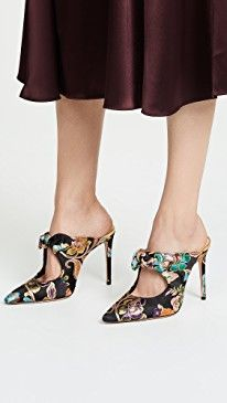 fb2ee0766f7a99 230 Best Shoes images in 2019