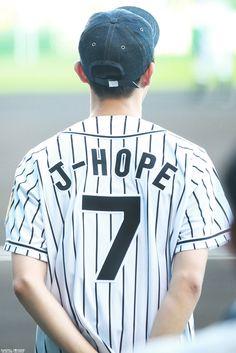 BTS- Jhope lockscreen 💕