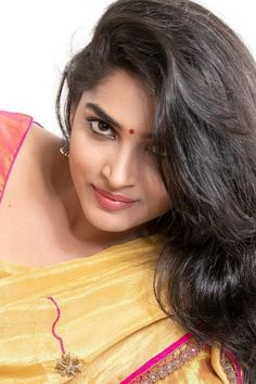 Beautiful Girl Photo, Beautiful Girl Indian, Most Beautiful Indian Actress, Beautiful Women, Cute Beauty, Beauty Full Girl, Beauty Women, Beautiful Bollywood Actress, Beautiful Actresses