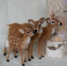 épinglé par ❃❀CM❁✿⊱Deer Doe and Buck Needle Felted Pair White Tailed The Animals, Felt Animals, Felted Wool Crafts, Felt Crafts, Wet Felting, Sleeping Fox, Baby Deer, Needle Felted Animals, Animal Crafts