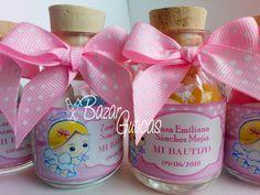 Botellas con almendras personalizadas según evento Facebook Sign Up, Baby Christening, Almonds, Bottles, Invitations, Bebe